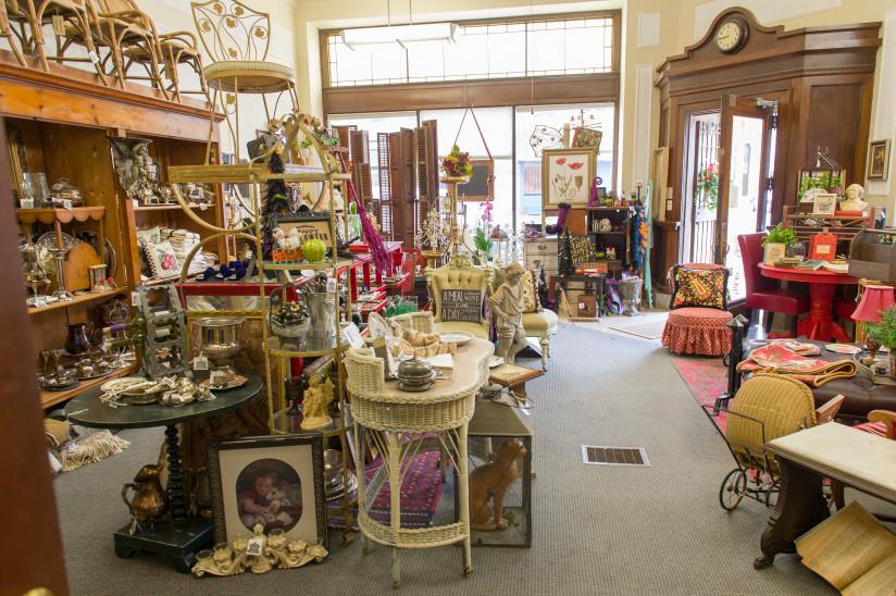 Cedar-Street-Market-Abilene,KS