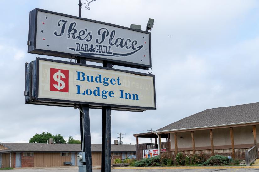 Ikes-Place-Bar-And-Grill-Abilene,KS