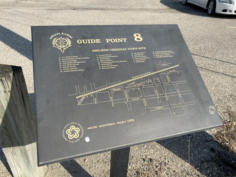 Abilene-Guide-Sign-Chisholm-Trail-Abilene,KS