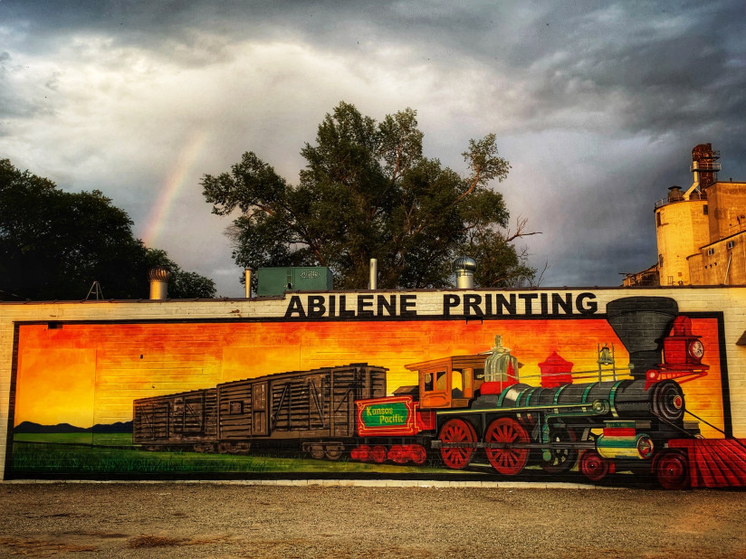Train-Mural-Abilene,KS